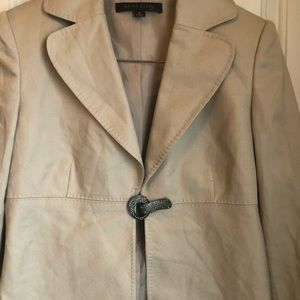 Almost New Anne Klein Jacket, Beautiful closure